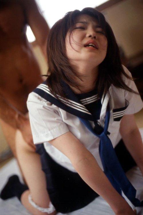 【制服セックスエロ画像】JKコスプレとわかっていても興奮してしまうJKコスプレセックス! 50