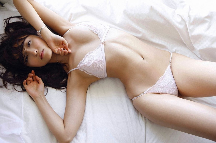 【ランジェリーエロ画像】女の子の下着姿にフル勃起!改めて見ると下着姿もイイ! 21