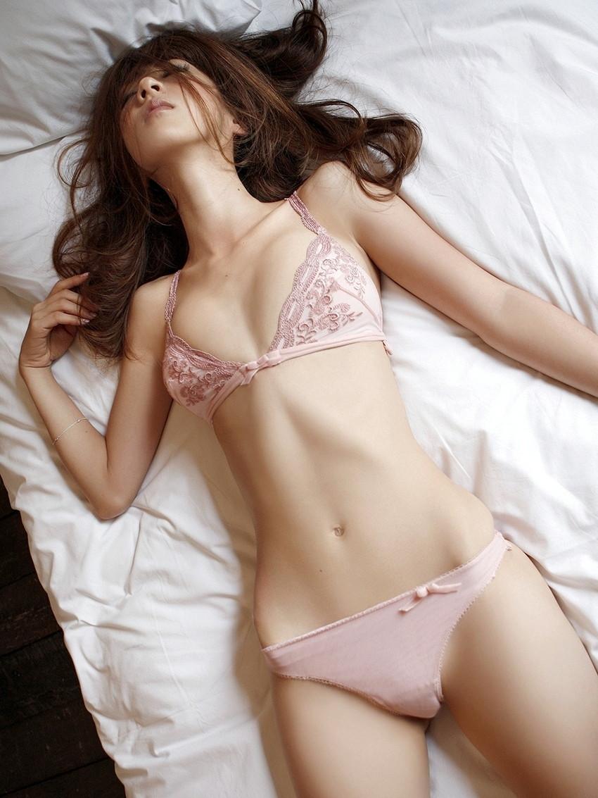 【ランジェリーエロ画像】女の子の下着姿にフル勃起!改めて見ると下着姿もイイ! 56