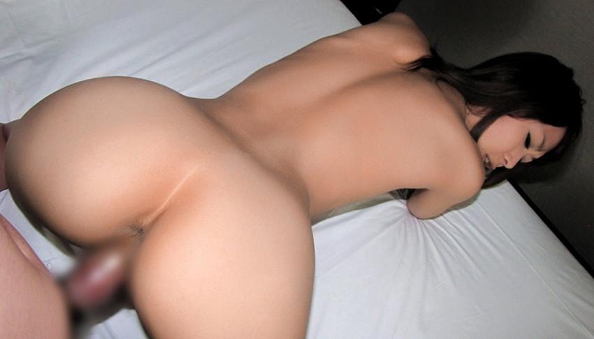 【バックエロ画像】尻フェチにも大人気の女の子の尻を眺めてハメられる体位! 10