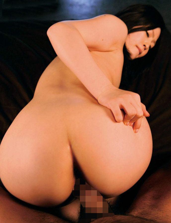 【バックエロ画像】尻フェチにも大人気の女の子の尻を眺めてハメられる体位! 12