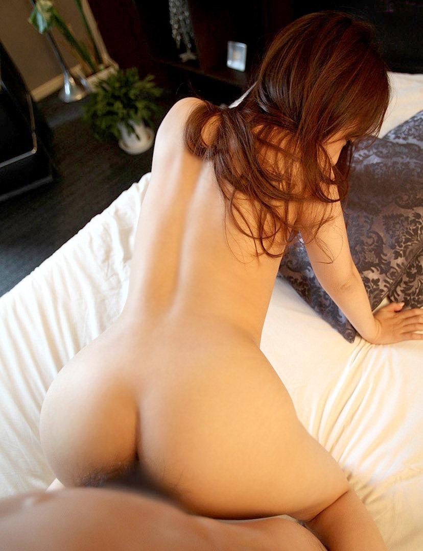 【バックエロ画像】尻フェチにも大人気の女の子の尻を眺めてハメられる体位! 44
