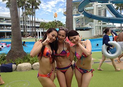 【素人水着エロ画像】素人娘たちの生々しい水着画像がめっちゃシコだなw