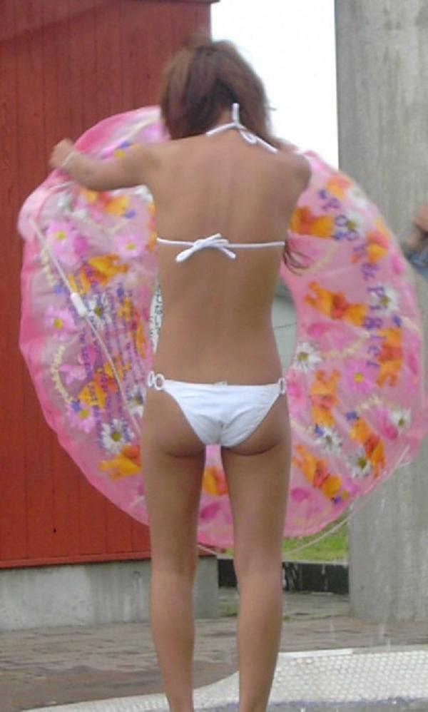 【素人水着エロ画像】素人娘たちの生々しい水着画像がめっちゃシコだなw 04