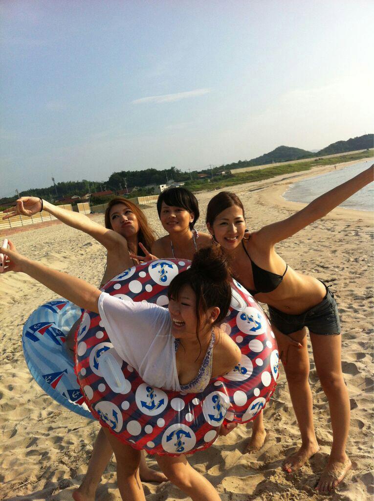 【素人水着エロ画像】素人娘たちの生々しい水着画像がめっちゃシコだなw 08