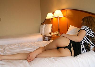 【Tバックエロ画像】Tバックといえば女の子の尻をセクシーに魅せるアイテム!?