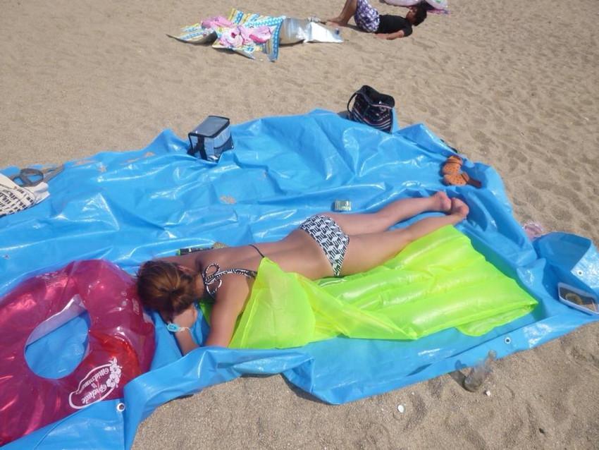 【素人水着エロ画像】いよいよ夏終了間近!素人娘たちの水着姿も見納めか!? 21
