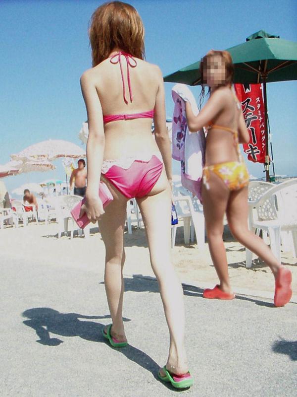 【素人水着エロ画像】いよいよ夏終了間近!素人娘たちの水着姿も見納めか!? 26