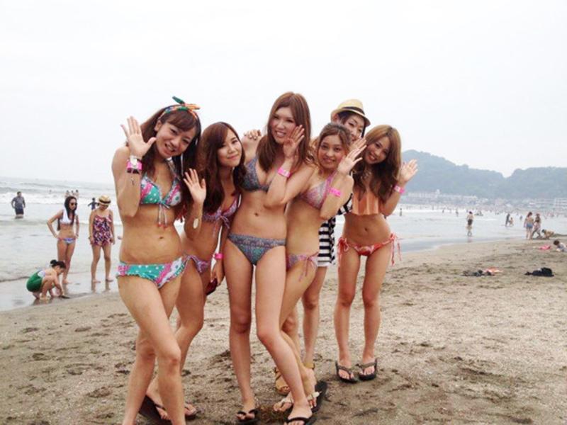 【素人水着エロ画像】いよいよ夏終了間近!素人娘たちの水着姿も見納めか!? 34