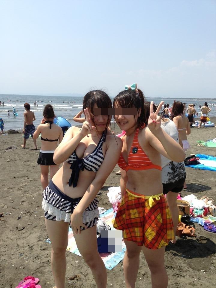 【素人水着エロ画像】いよいよ夏終了間近!素人娘たちの水着姿も見納めか!? 43