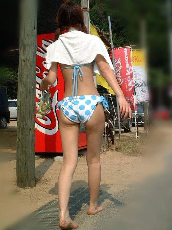 【素人水着エロ画像】いよいよ夏終了間近!素人娘たちの水着姿も見納めか!? 54