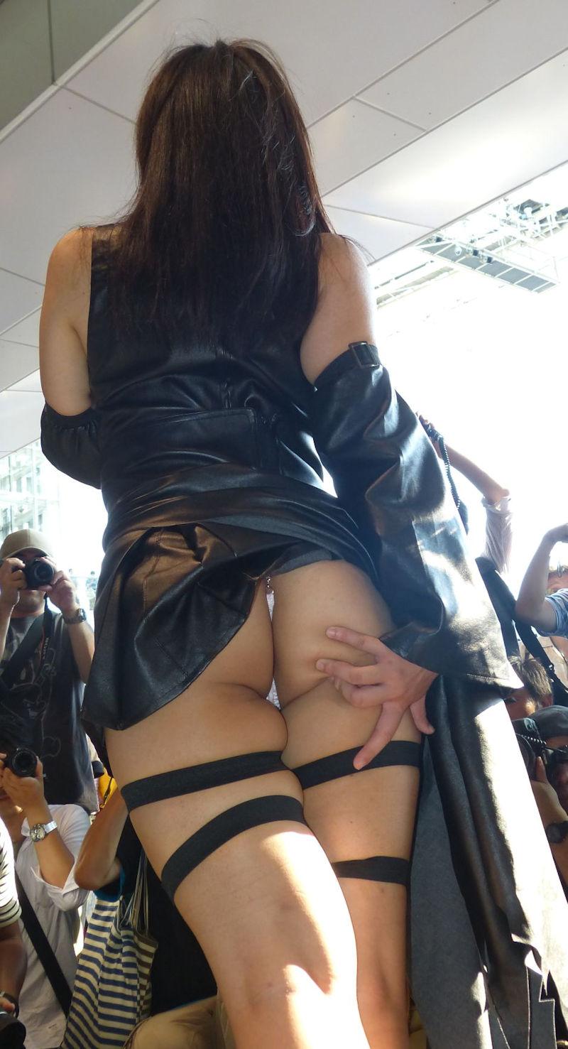【コミケエロ画像】露出過多!過激衣装で大衆の面前にたつ素人コスプレイヤー! 27