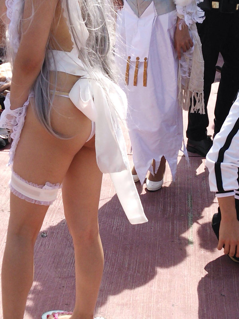 【コミケエロ画像】露出過多!過激衣装で大衆の面前にたつ素人コスプレイヤー! 45