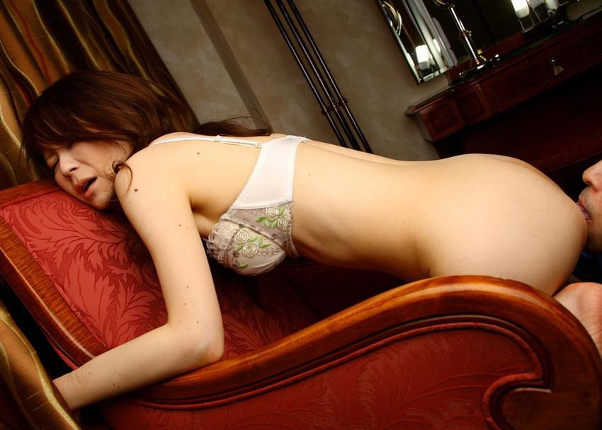 【クンニリングスエロ画像】クンニされて悦顔満載の女の子ってめっちゃ抜けるよな!? 15