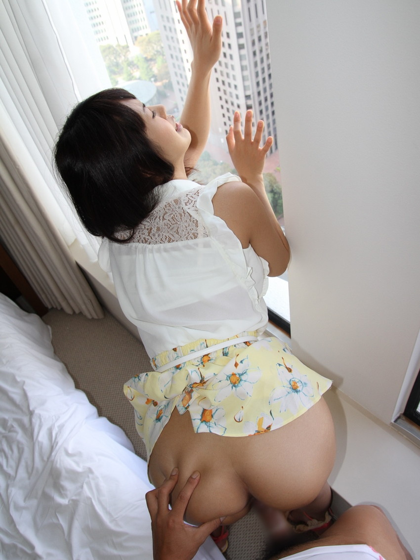 【着衣セックスエロ画像】オシャレな女の子は着衣ごと犯したいヤツちょっと来い! 08