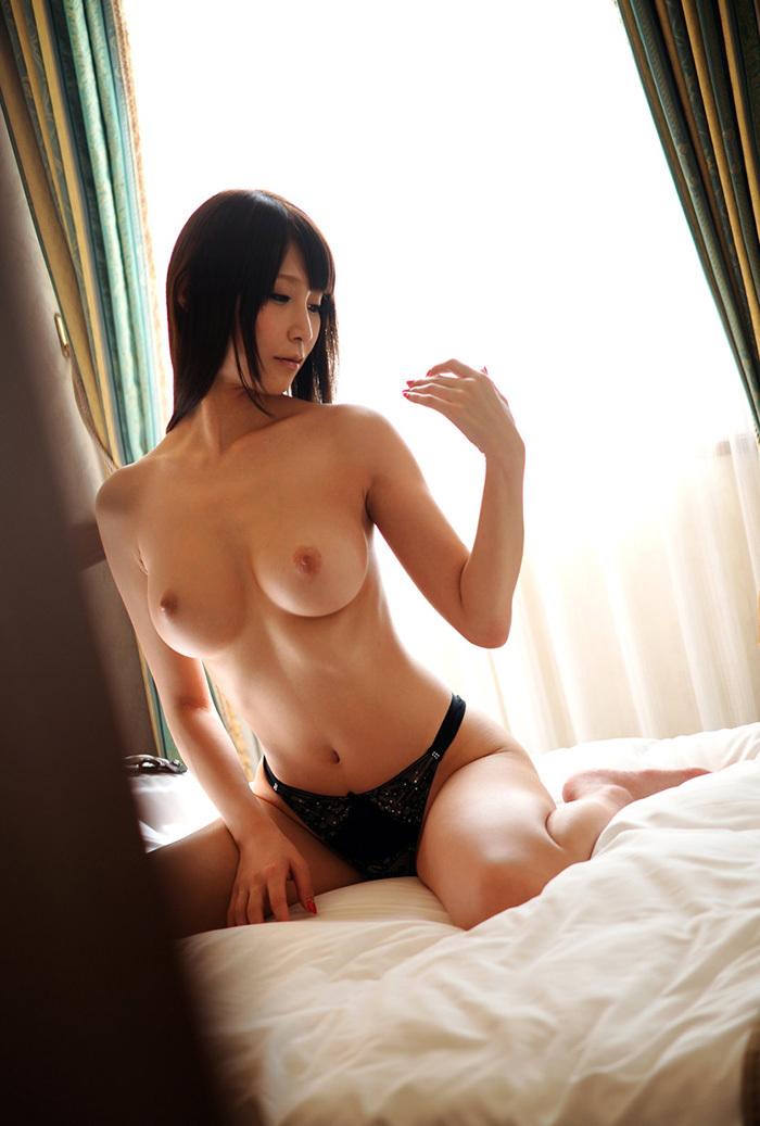 【美乳エロ画像】ワイ将!こんな美乳の彼女が欲しかった!美乳特集! 18