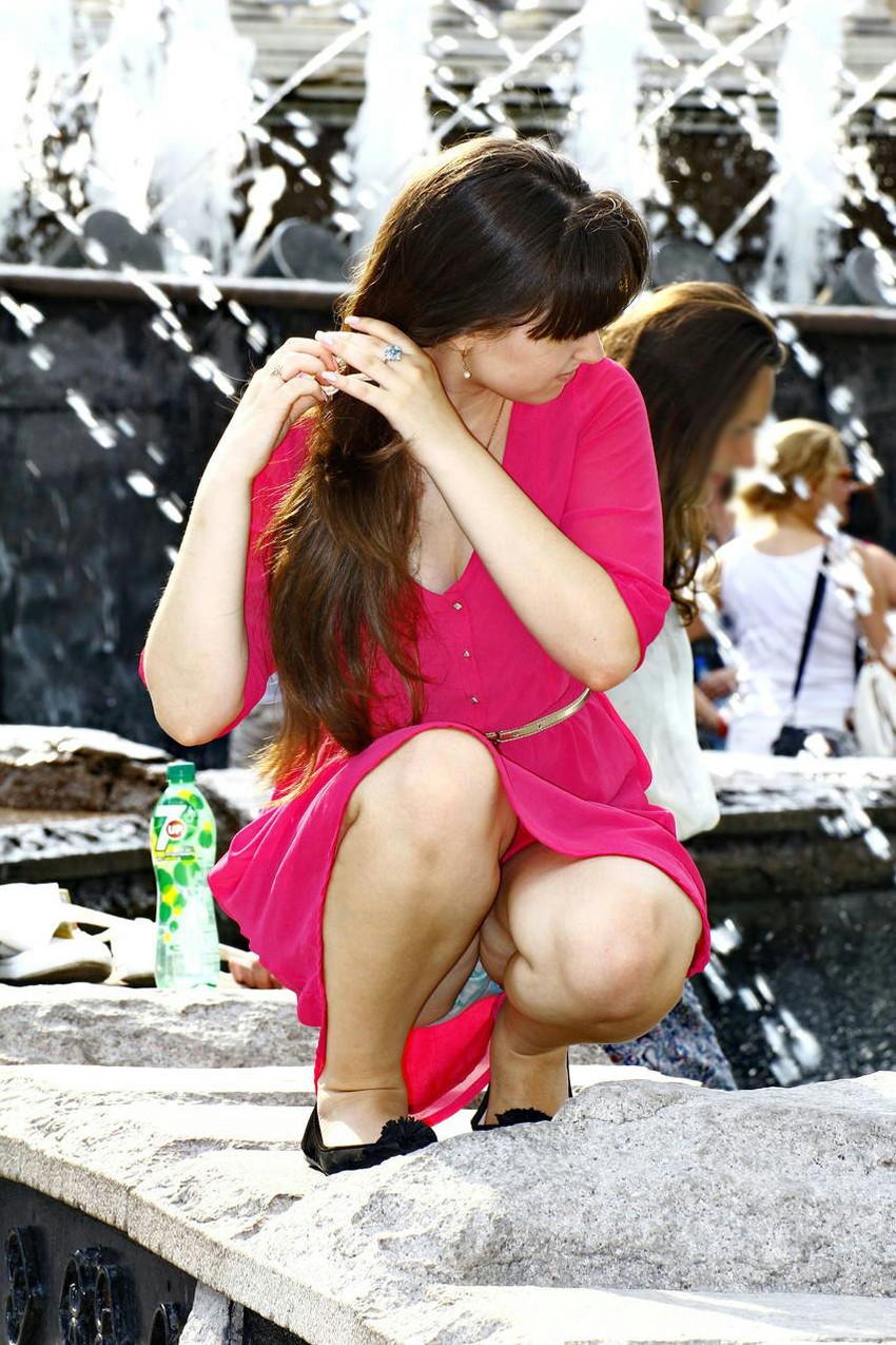 【海外パンチラエロ画像】海外の女の子たちの街撮りパンチラ集めてみた! 45