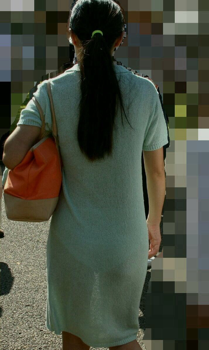 【素人着衣透けエロ画像】故意か不本意か?これじゃ着衣が透けて丸見えだろ!? 05