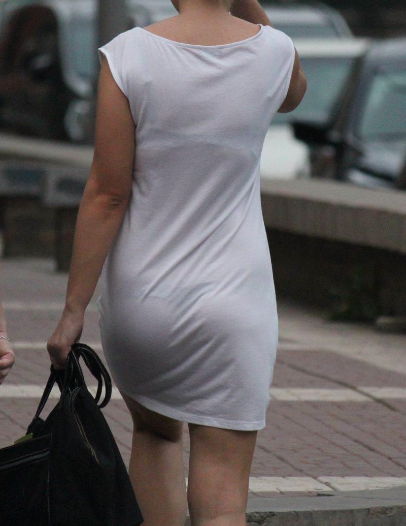 【素人着衣透けエロ画像】故意か不本意か?これじゃ着衣が透けて丸見えだろ!? 25