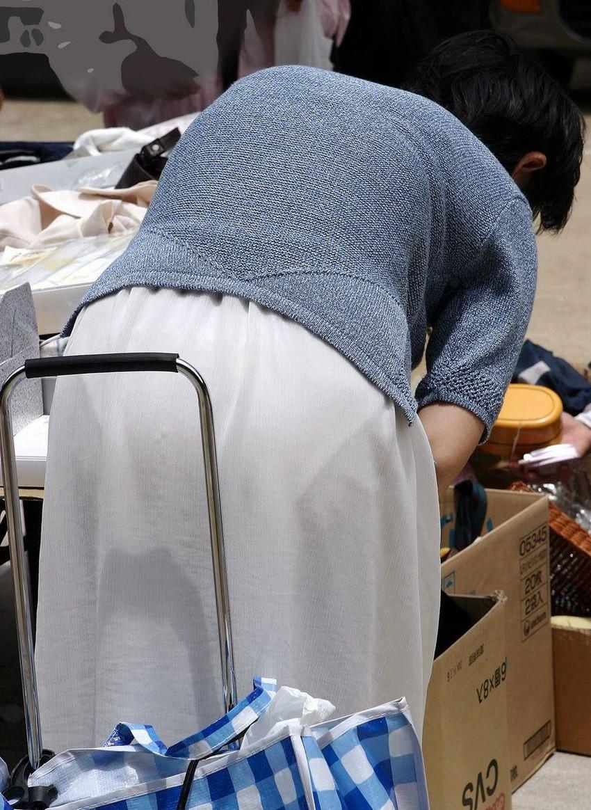 【素人着衣透けエロ画像】故意か不本意か?これじゃ着衣が透けて丸見えだろ!? 43