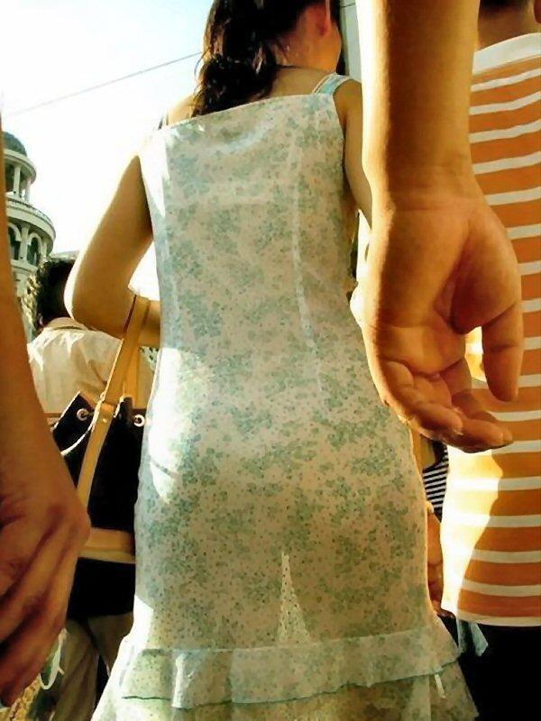 【素人着衣透けエロ画像】故意か不本意か?これじゃ着衣が透けて丸見えだろ!? 52