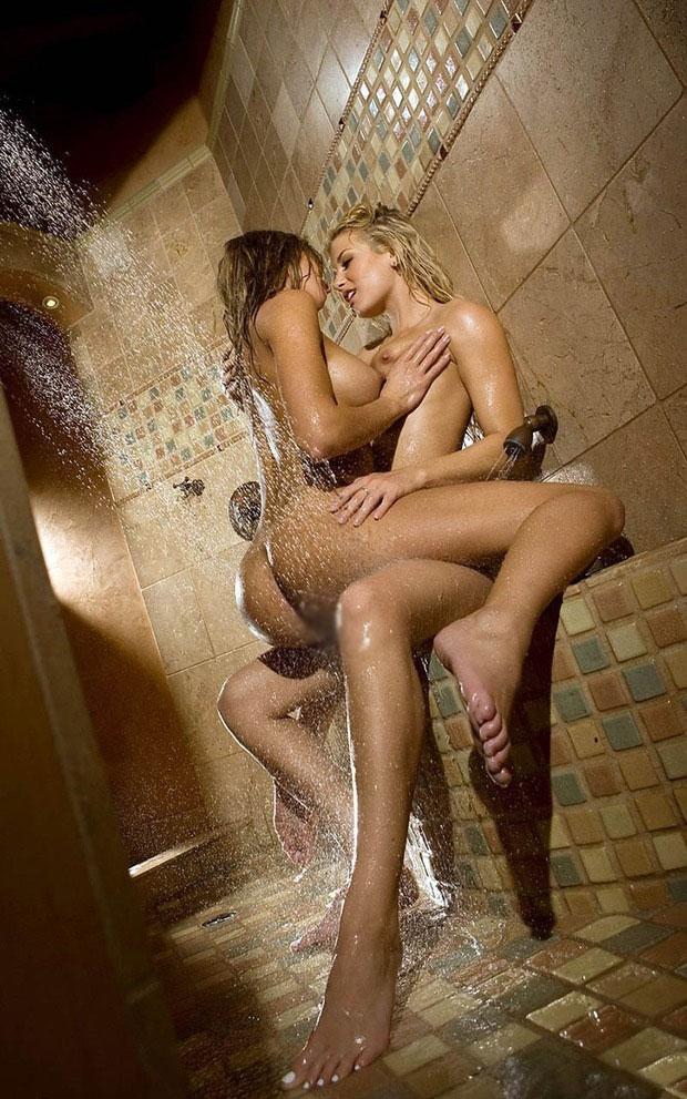 【海外レズビアンエロ画像】海外レズビアンたちの絡みシーンがエロくて草w 18