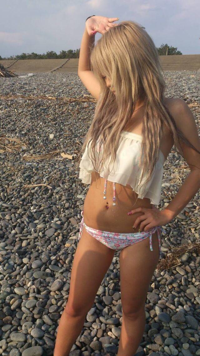 【素人水着エロ画像】素人の女の子たちの生々しい水着姿に勃起不可避!www 51