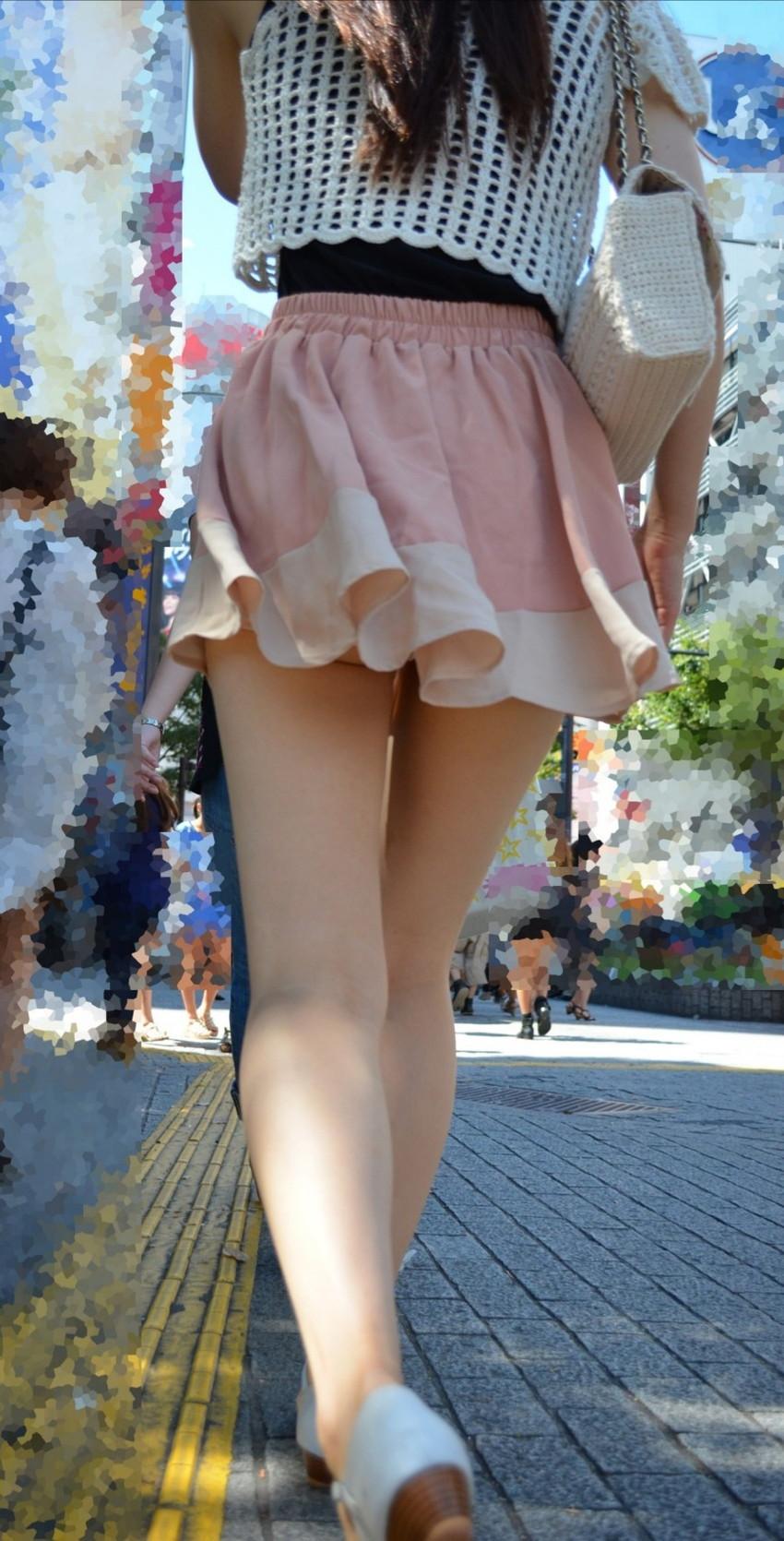 【街撮り美脚エロ画像】街中で見かけた美脚な女の子の画像集めたったwww 22