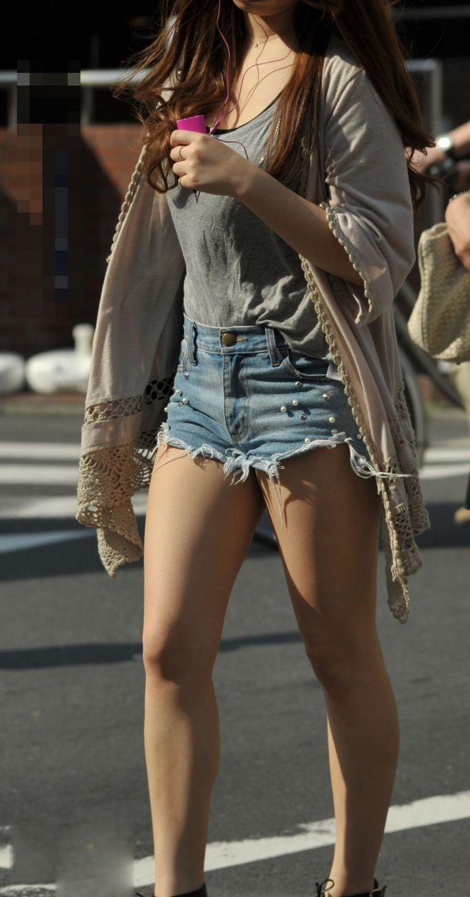 【街撮り美脚エロ画像】街中で見かけた美脚な女の子の画像集めたったwww 29