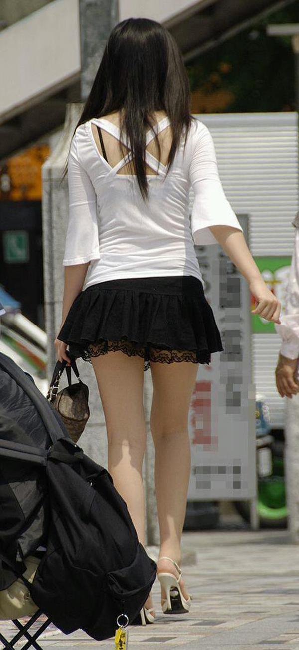 【街撮り美脚エロ画像】街中で見かけた美脚な女の子の画像集めたったwww 38