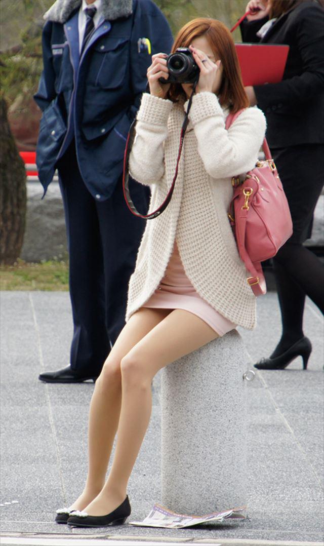 【街撮り美脚エロ画像】街中で見かけた美脚な女の子の画像集めたったwww 43