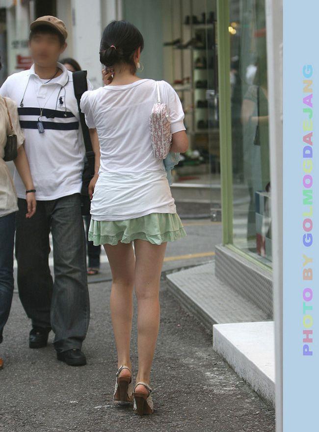 【街撮り美脚エロ画像】街中で見かけた美脚な女の子の画像集めたったwww 46