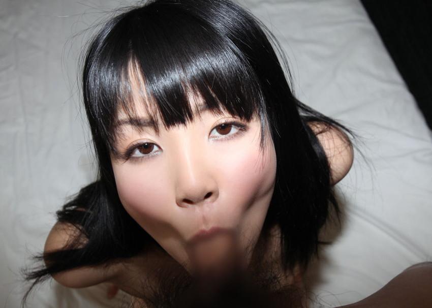 【全裸フェラチオエロ画像】素っ裸で男のチンポをしゃぶる女エロ杉だろ!www 49