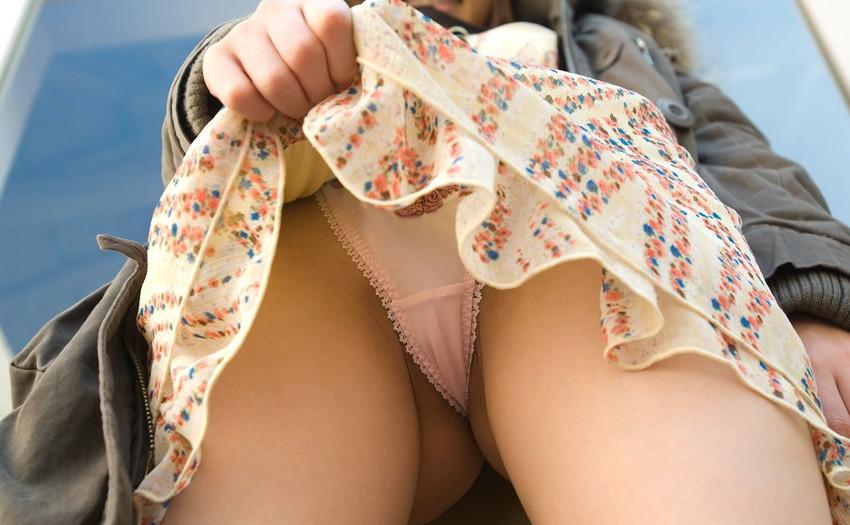 【セルフパンチラエロ画像】スカートをたくしあげて「パンツ見てもいいんだよ?」 20