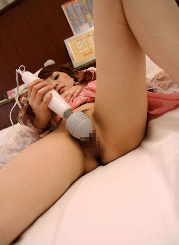 【電マオナニーエロ画像】電マで快感をむさぼる電マオナニー中の女の子! 33