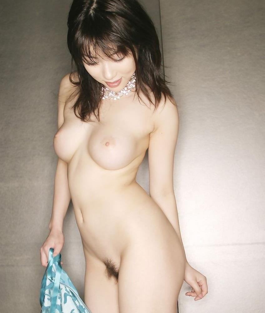 【美乳エロ画像】おっぱい好き必見!これぞ美乳っていう画像集めたったぜ!?w 30