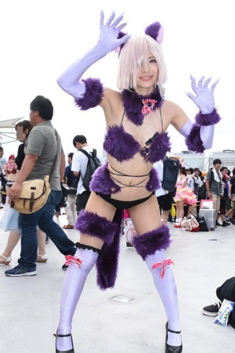 【コミケエロ画像】コミケとかいうイベントのコスプレイヤーがめっちゃ抜ける! 53