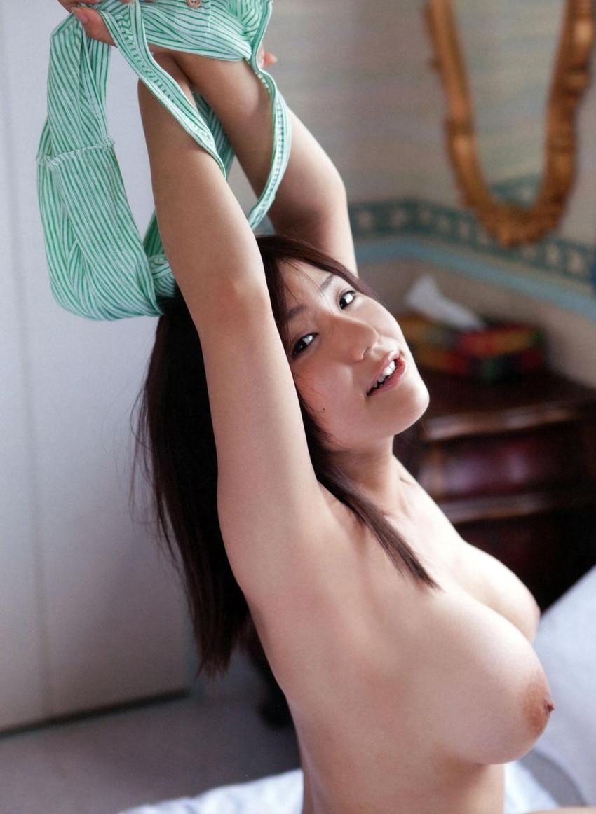 【美乳エロ画像】思わずナマツバ!こんな美乳の彼女がいたら人生の勝ち組!www 30