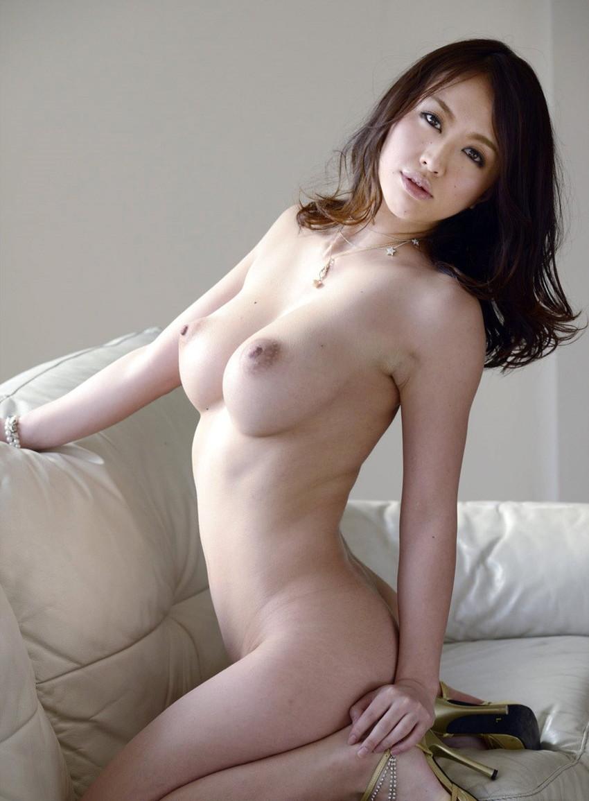 【美乳エロ画像】思わずナマツバ!こんな美乳の彼女がいたら人生の勝ち組!www 36