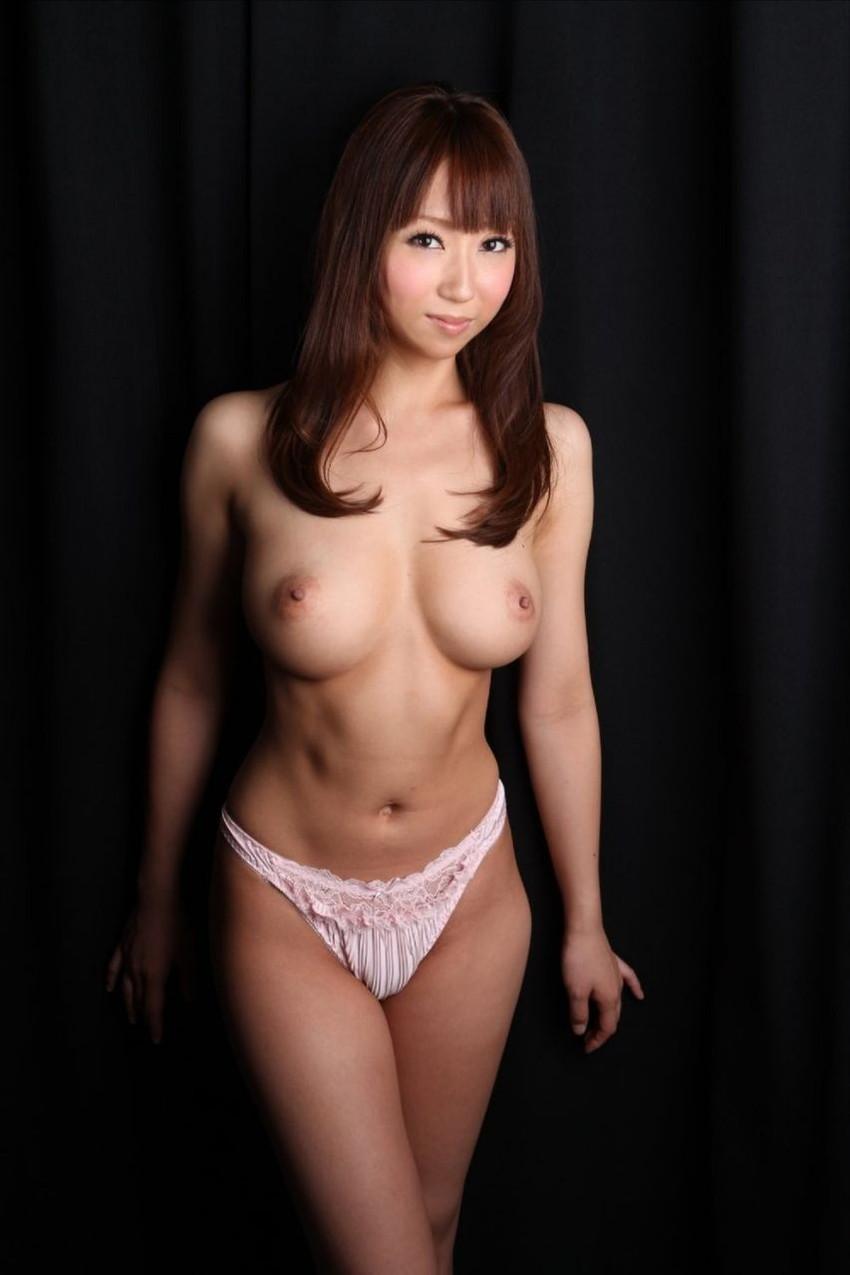 【美乳エロ画像】思わずナマツバ!こんな美乳の彼女がいたら人生の勝ち組!www 39