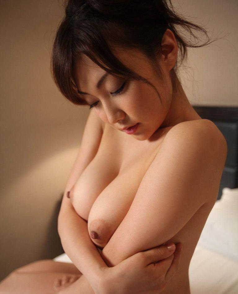 【美乳エロ画像】思わずナマツバ!こんな美乳の彼女がいたら人生の勝ち組!www 50