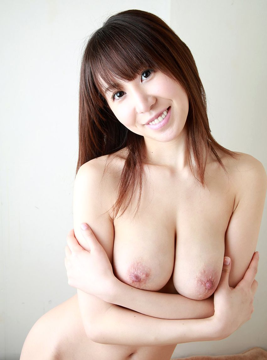 【美乳エロ画像】思わずナマツバ!こんな美乳の彼女がいたら人生の勝ち組!www 52