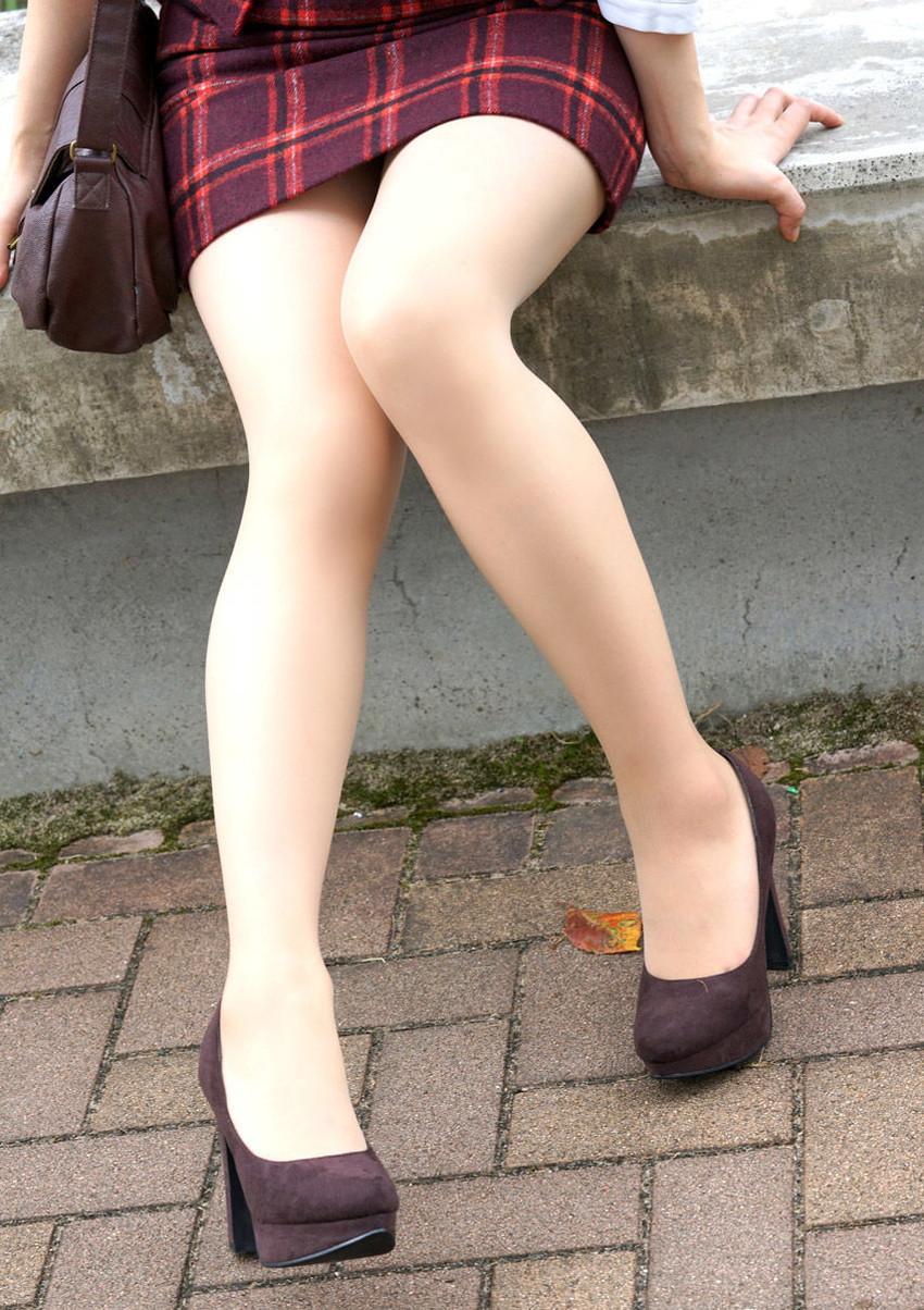 【美脚エロ画像】足フェチ必見!女の子のスラリと伸びた脚線美にノックダウン! 09