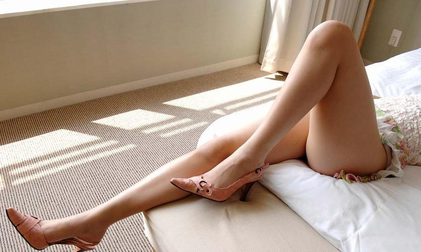 【美脚エロ画像】足フェチ必見!女の子のスラリと伸びた脚線美にノックダウン! 19
