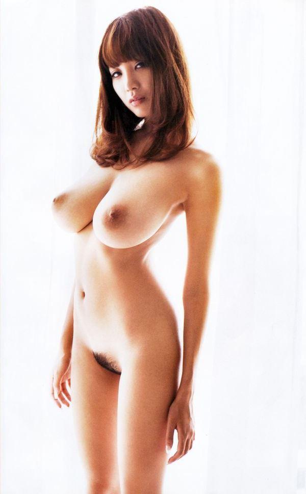 【美乳エロ画像】美しいおっぱいはそれだけで正義!?美乳な女の子集めたった! 18