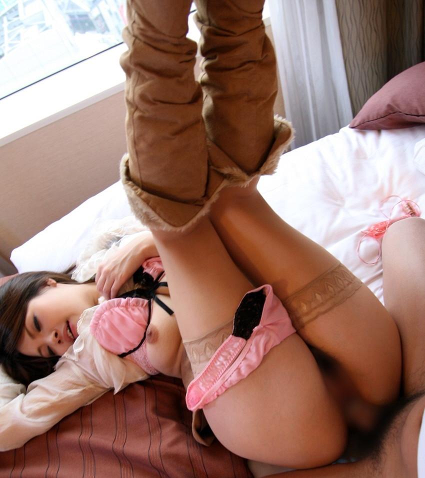 【着衣セックスエロ画像】着衣ごと女の子を犯したい欲望にかられた結果がこちらw 32
