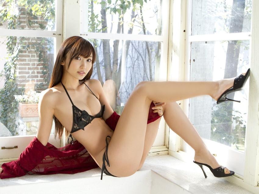 【美脚エロ画像】美しすぎる美脚!ナマツバ飲み込みそうな美脚の女の子! 43