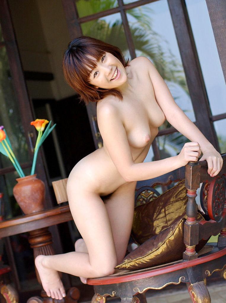 【フルヌードエロ画像】一糸まとわぬ生まれたままの姿の女性は美しい! 16