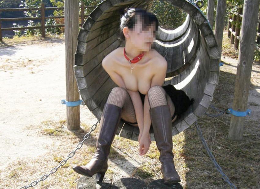 【野外露出エロ画像】素人娘たちによる大胆な野外露出画像集めたった! 47