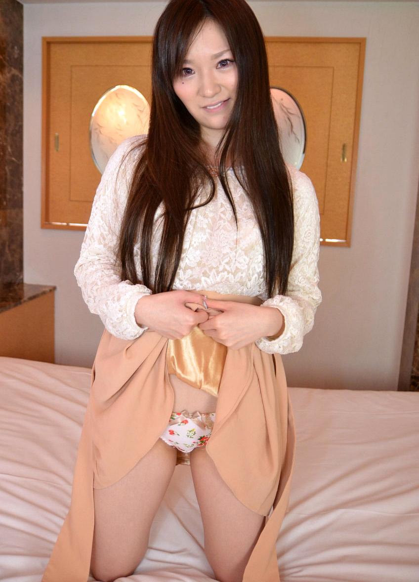 【セルフパンチラエロ画像】女の子側からパンチラみせつけるセルフパンチラw 48